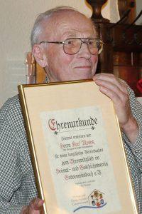 02.06.2013 Karl mit Urkunde